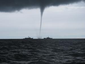 tornado-2090803_1280