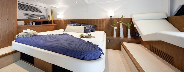 Taking all it has learned from its many years of designing boat interior,Beneteau has imbued the 49's master suite with amenities usually found of larger vessels.