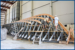 As with all ACY custom builds, C'est La Vie began as a steel jig over which her hull began to take shape.
