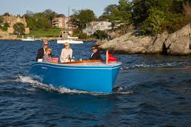The eCraft 20 sets a new standard in state-of-the-art technology and environmentally responsible boating.