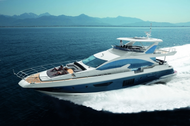 The Azimut 80 shows off her exciting exterior profile along with her equally impressive performance abilities.