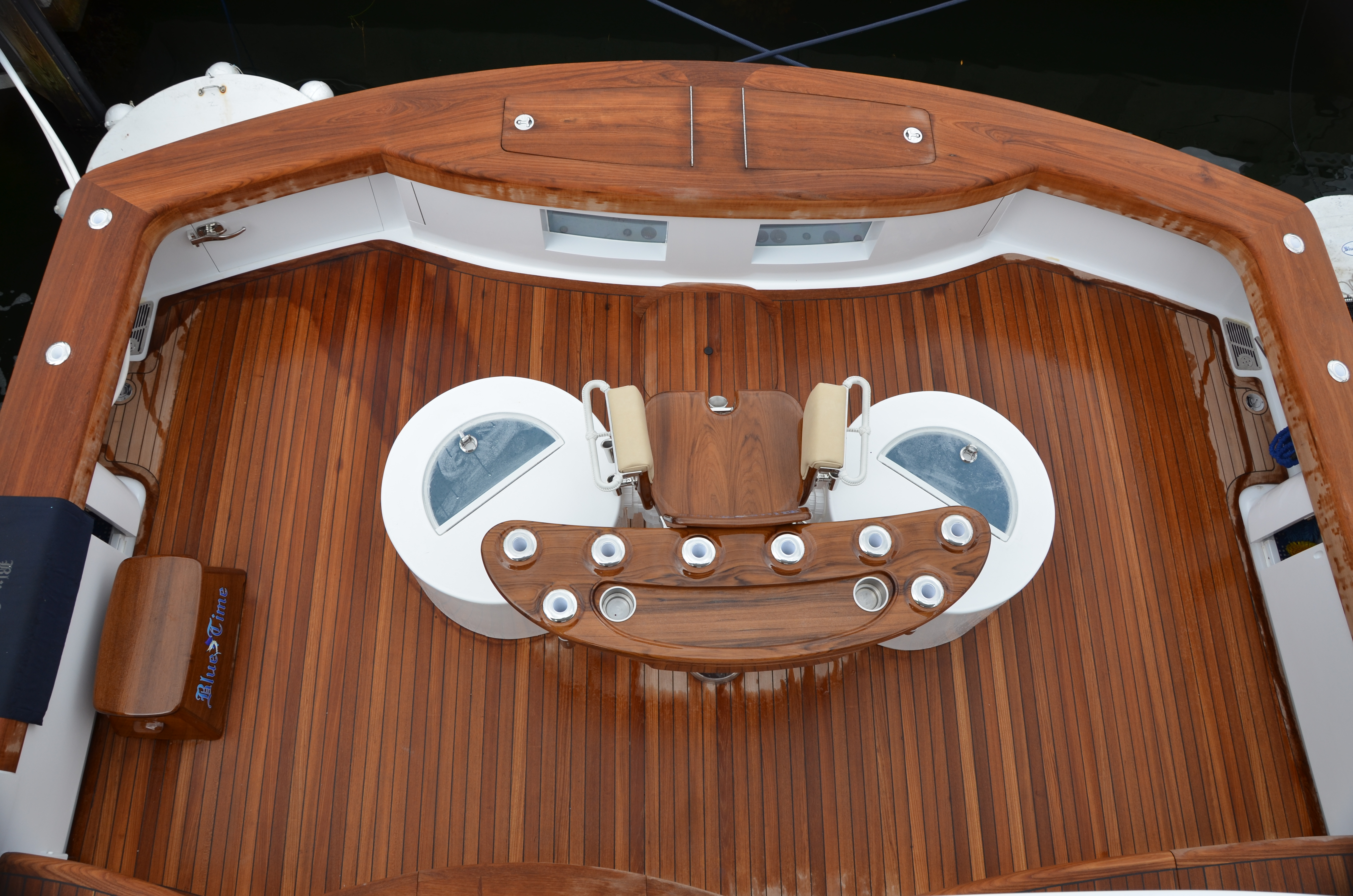 Sea Trials Captain Ken Kreislers Boat And Yacht Report Sitex Transducer Wiring Diagram Colors Among Other Tourney Equipment Blue Times Business End Features A 170 Square Foot Teak Cockpit